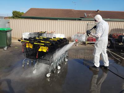 Using a Spitwater to Disinfect Shopping Trolley's